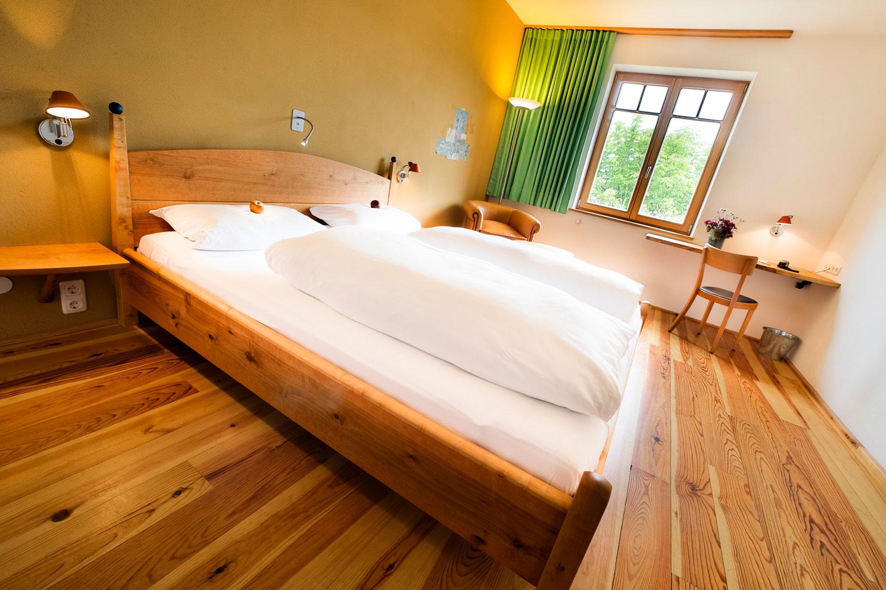 bio hotel alter wirt in gr nwald bei m nchen stilvoll und hochwertig. Black Bedroom Furniture Sets. Home Design Ideas